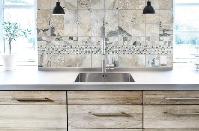 How to choose your kitchen cabinets with 3 easy decisions